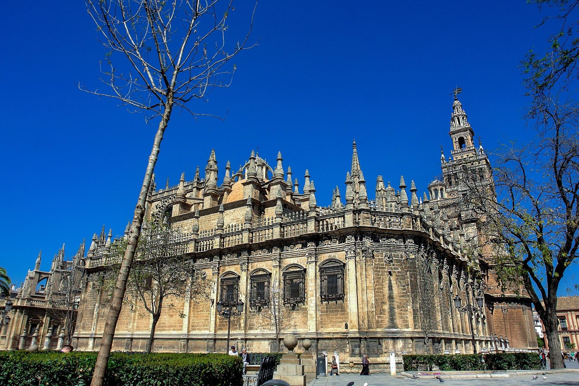 Giralda y Catedral