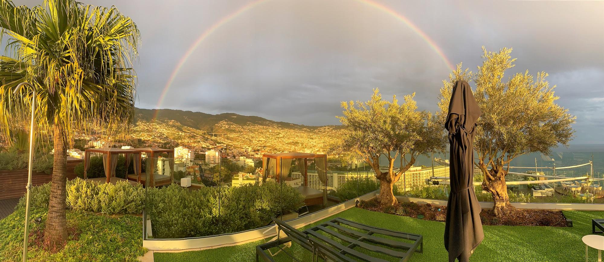 Vistas desde un hotel de lujo en Funchal